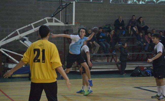 Un equipo del Complejo Municipal està jugando el Regional de Clubes en Bariloche